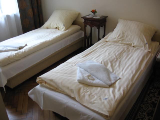 Photo of bedroom in 2 star Krakow apartments