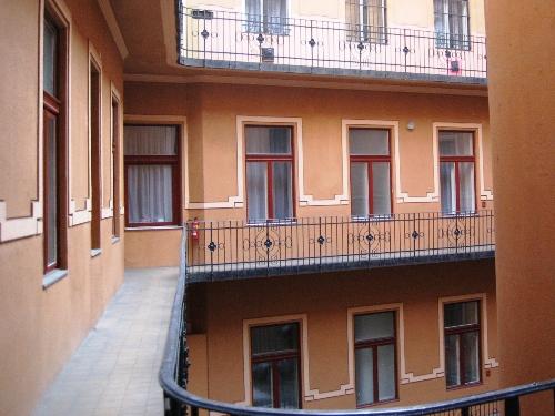 Photo of inner courtyard in 3 star Budapest hotel