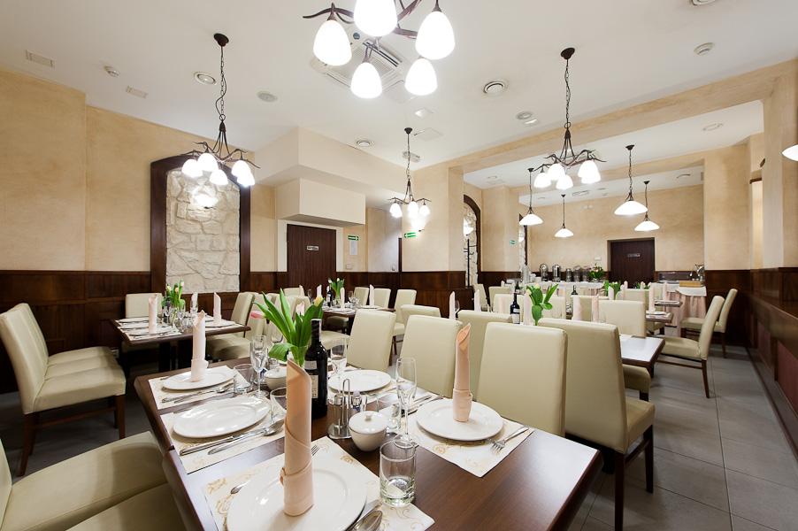 Photo of restaurant in 3 star Krakow hotel