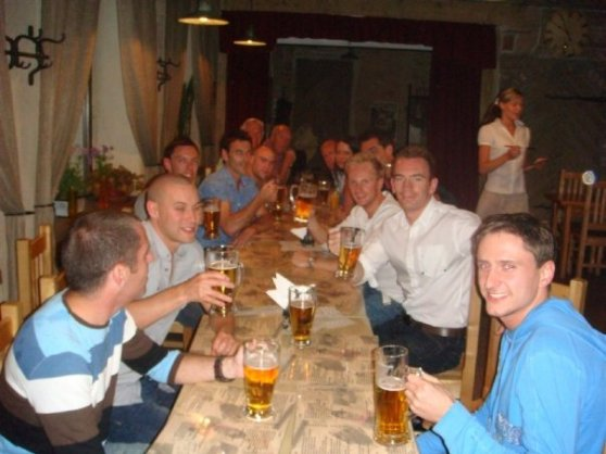 Photo of stag group before dinner is served