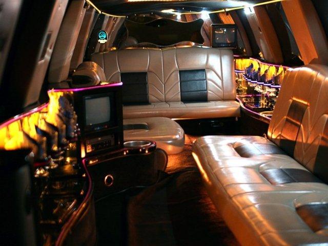 Navigator limo interior