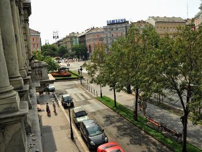 Exterior shot of Budapest Hostel, Andrassy Blvd