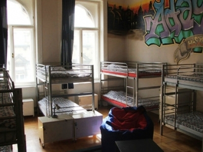 Budapest hostel room with bunkbeds