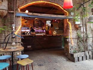 Szimplakert Ruin Bar